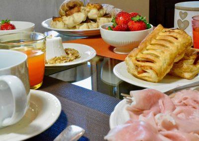 Romantic Suite Canelles Appartamento colazione