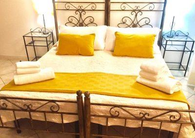 Letto matrimoniale Cagliarifornia Bed and Breakfast
