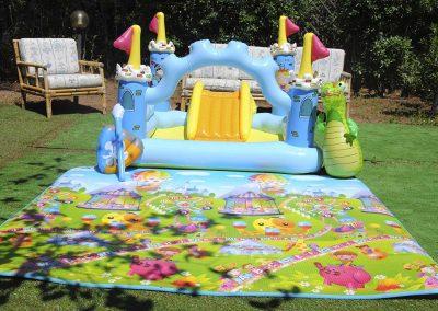 Pineta-sul-mare-appartamento-cortile-giochi-per-bambini