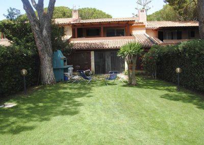 Pineta-sul-mare-appartamento-giardino-esterno