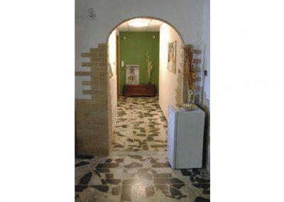 Un-letto-a-casteddu-affittacamere-cagliari-corridoio