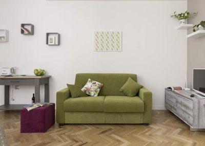 La-casita-in-centro-appartamento-salone-arredato