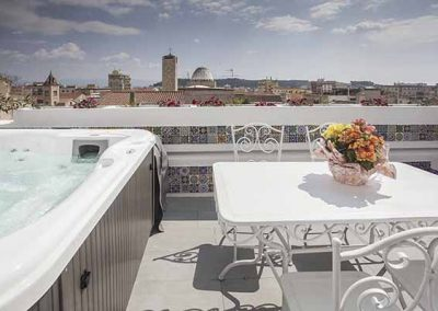 La terrazza di Bea Apartment Terrace with Jacuzzi