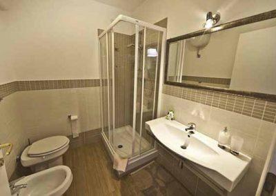 Livingstone Bed and Breakfast Shower