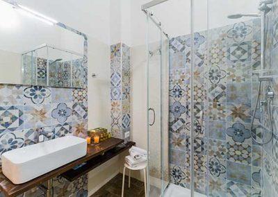 La Pietra di Cagliari Suite Appartamento -Bagno privato con doccia