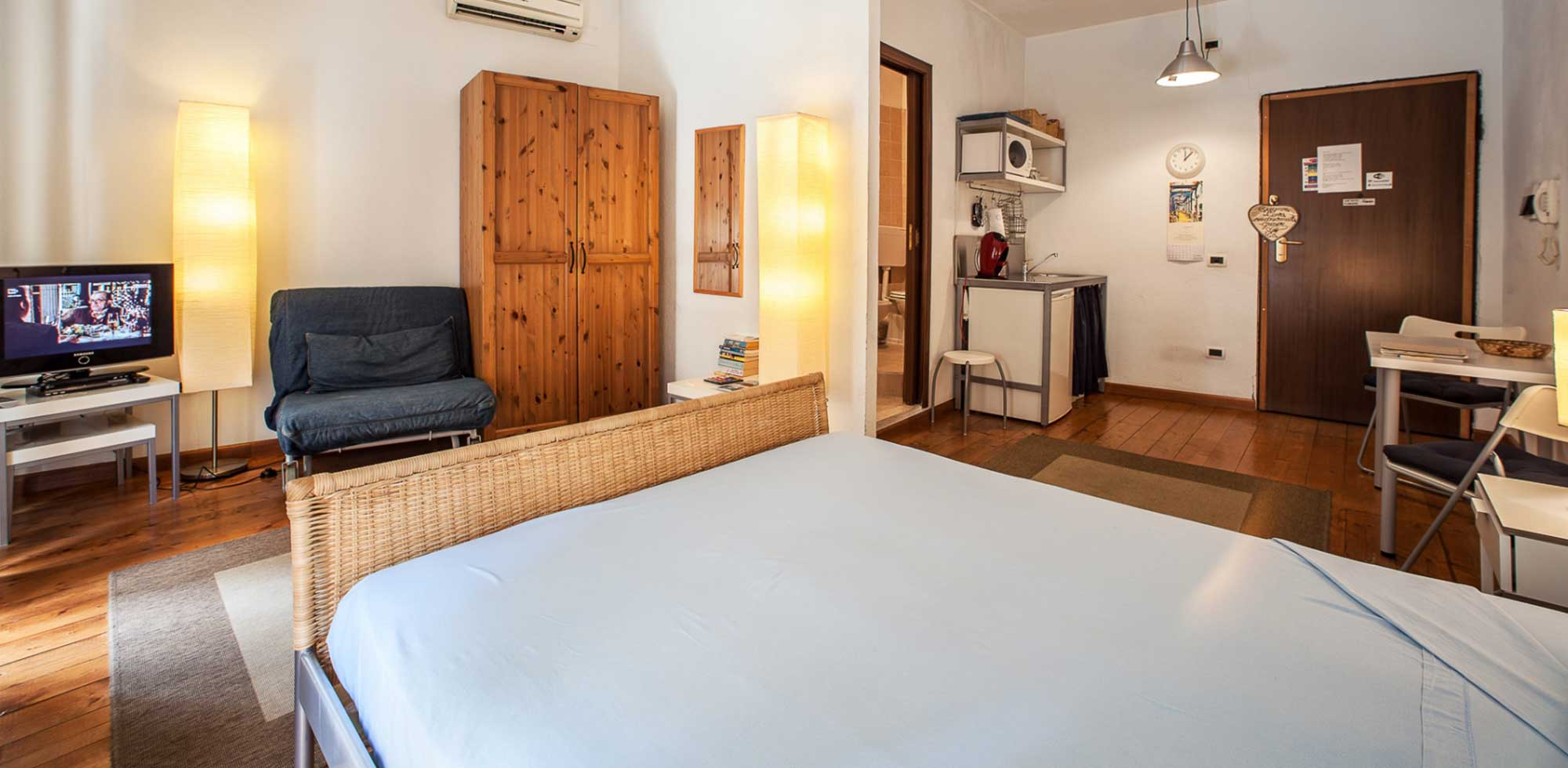 Centro Storico Via Manno Bed and Breakfast